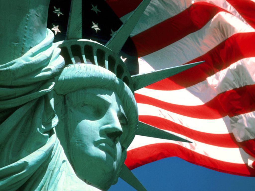 god bless america 1024x768 - Америка на перепутье: выжить, погибнуть или измениться?